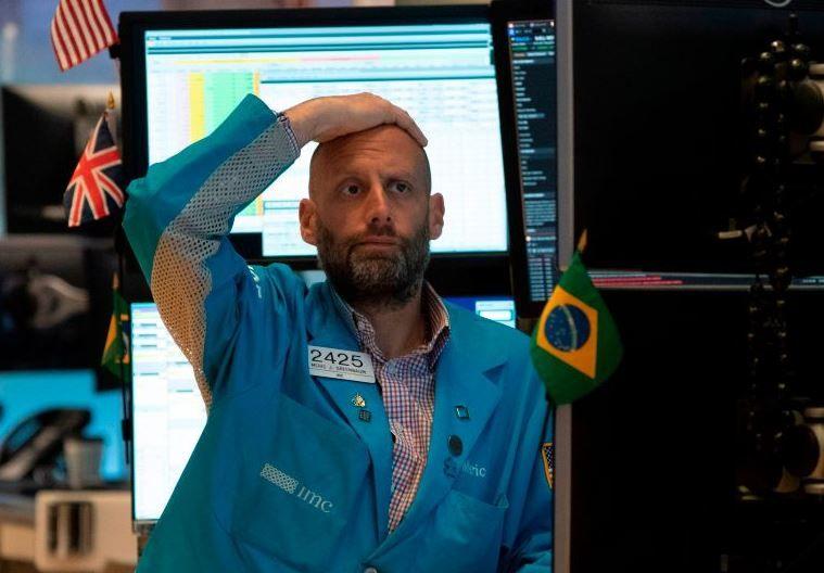 Stocks dumped as trade dispute degenerates