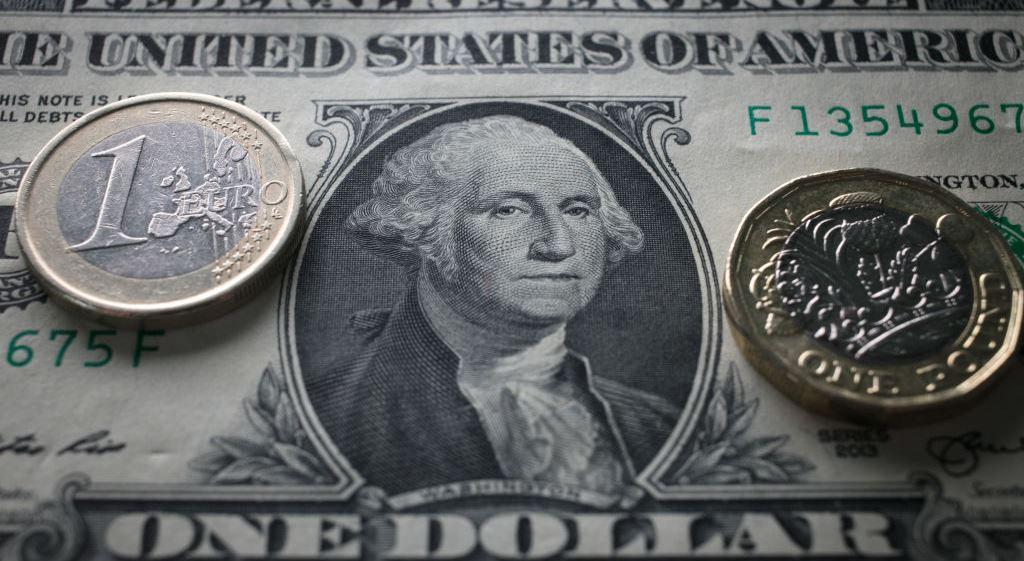 Słaby dolar, rosnące ceny surowców przemysłowych oraz NFP skupiają uwagę inwestorów