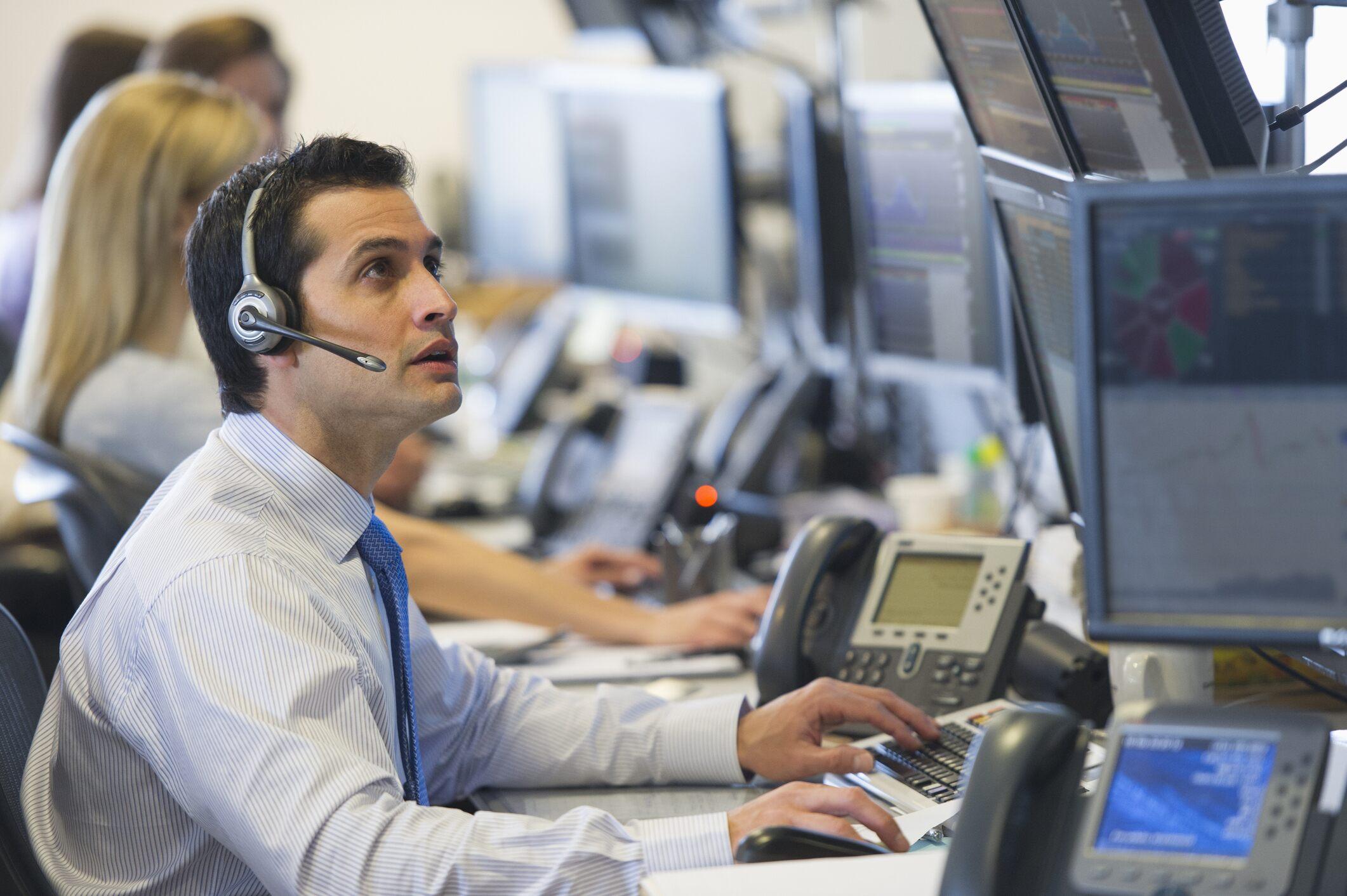 European stocks slip back slightly as investors pause for breath