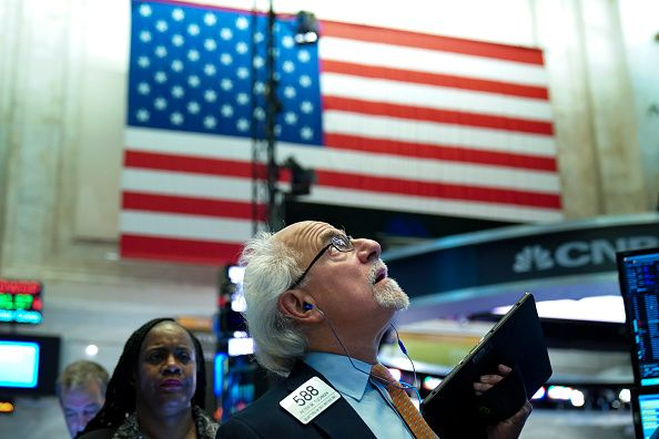 Europe mixed, US rallies, oil is hammered