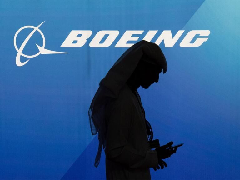 Boeing share price: Will Warren Buffett bid?