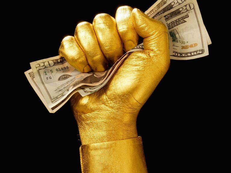 美元劲升至两月高位,金价试探1900关口