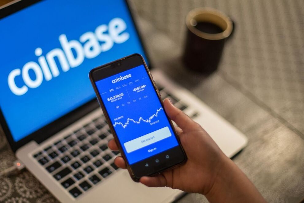 Coinbase goes public - good timing in the Bitcoin hype