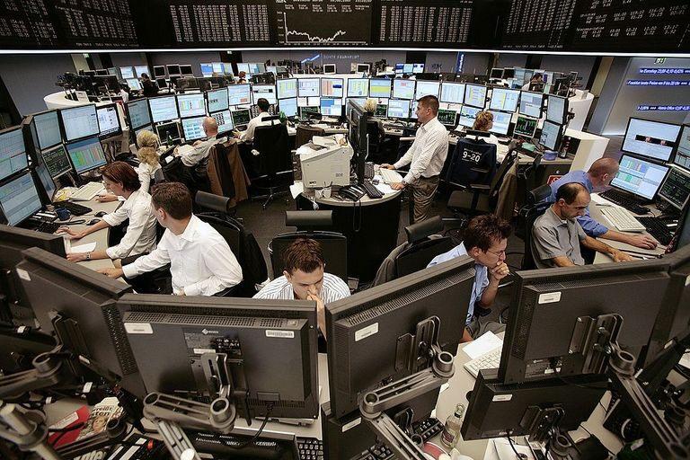 NASDAQ Rekordhoch ++ Höhenflug: Ethereum, Kryptos ++ Heute Ausbruchbewegung?