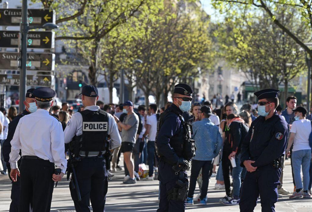 France imposes 4 week lockdown