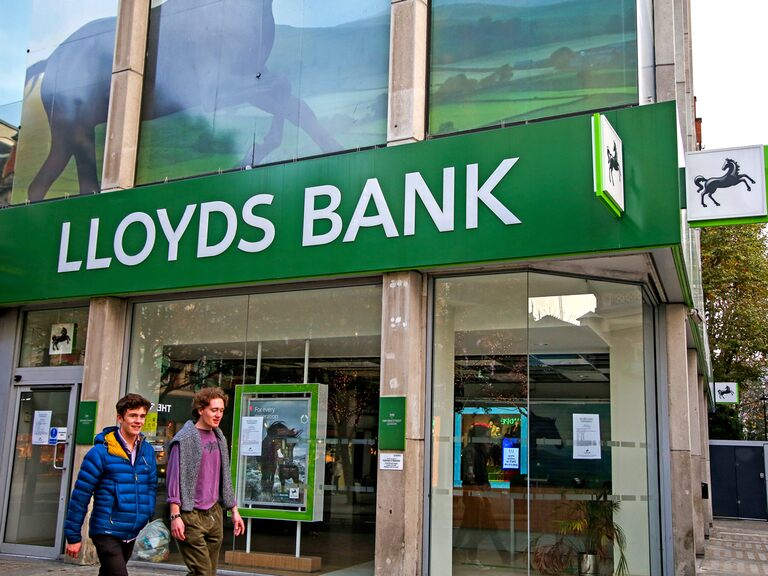 Will Lloyds' share price show resilience?
