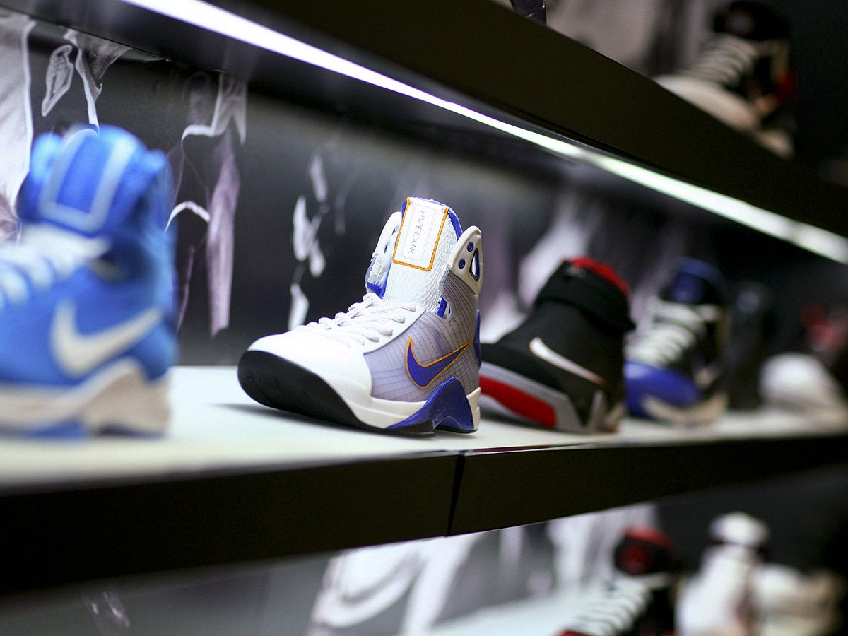 Nike, Under Armour, Lululemon: which share price is the best athleisure bet?