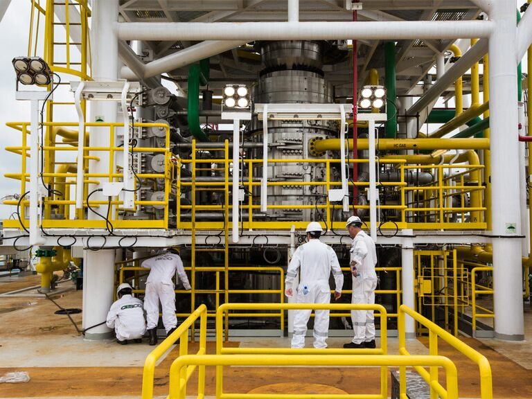 Why does Saudi Aramco's share price look so slick?
