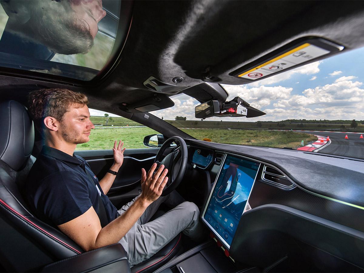 How to navigate self-driving car stocks