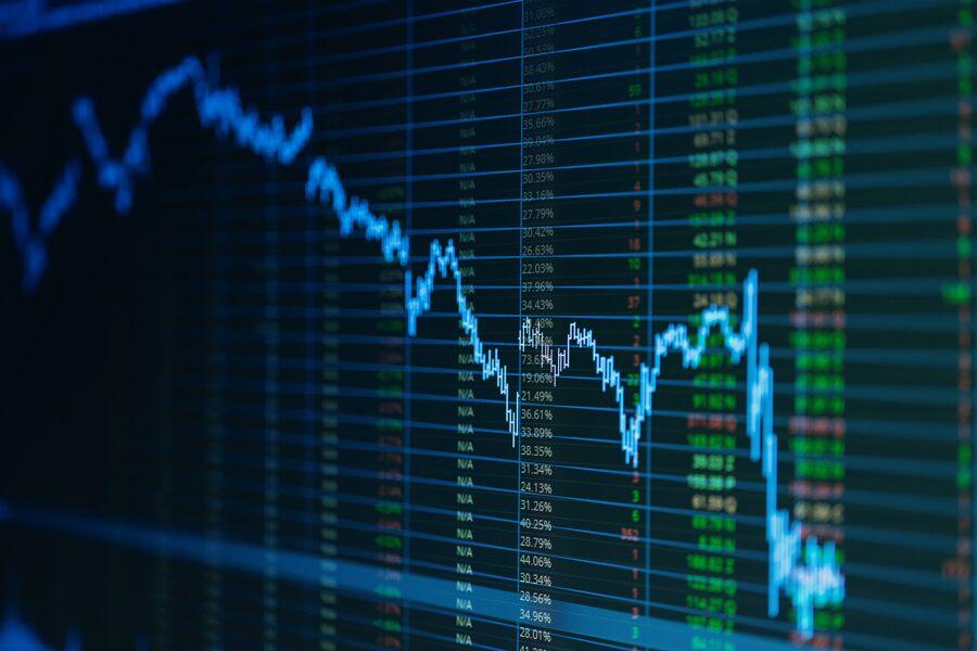 Etter en turbulent uke i aksjemarkedet, drevet av rekordhøy inflasjon i USA, spør mange tradere seg nå om det er på tide å søke tryggere havner.