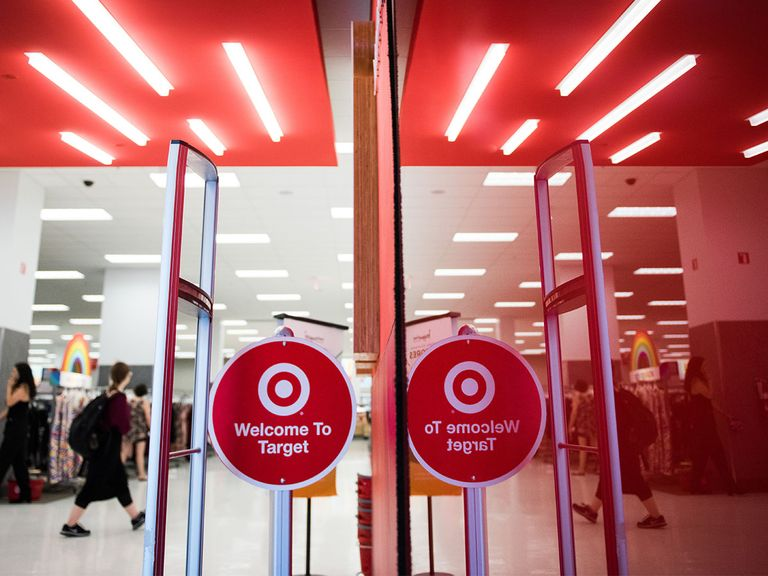 US retail set for rebound as Target share price hits all-time high?