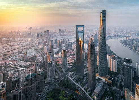Mieszane dane z Chin, odbicie w Europie